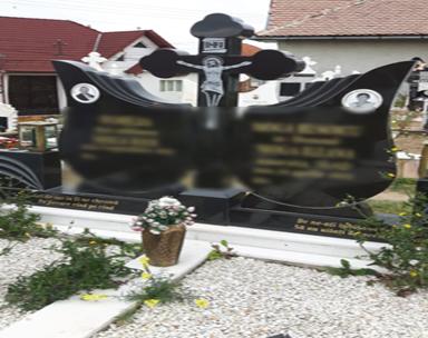 Monumente Funerare